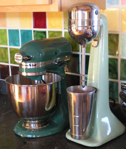 Mixer and blender