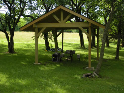 shelter covering picnic table